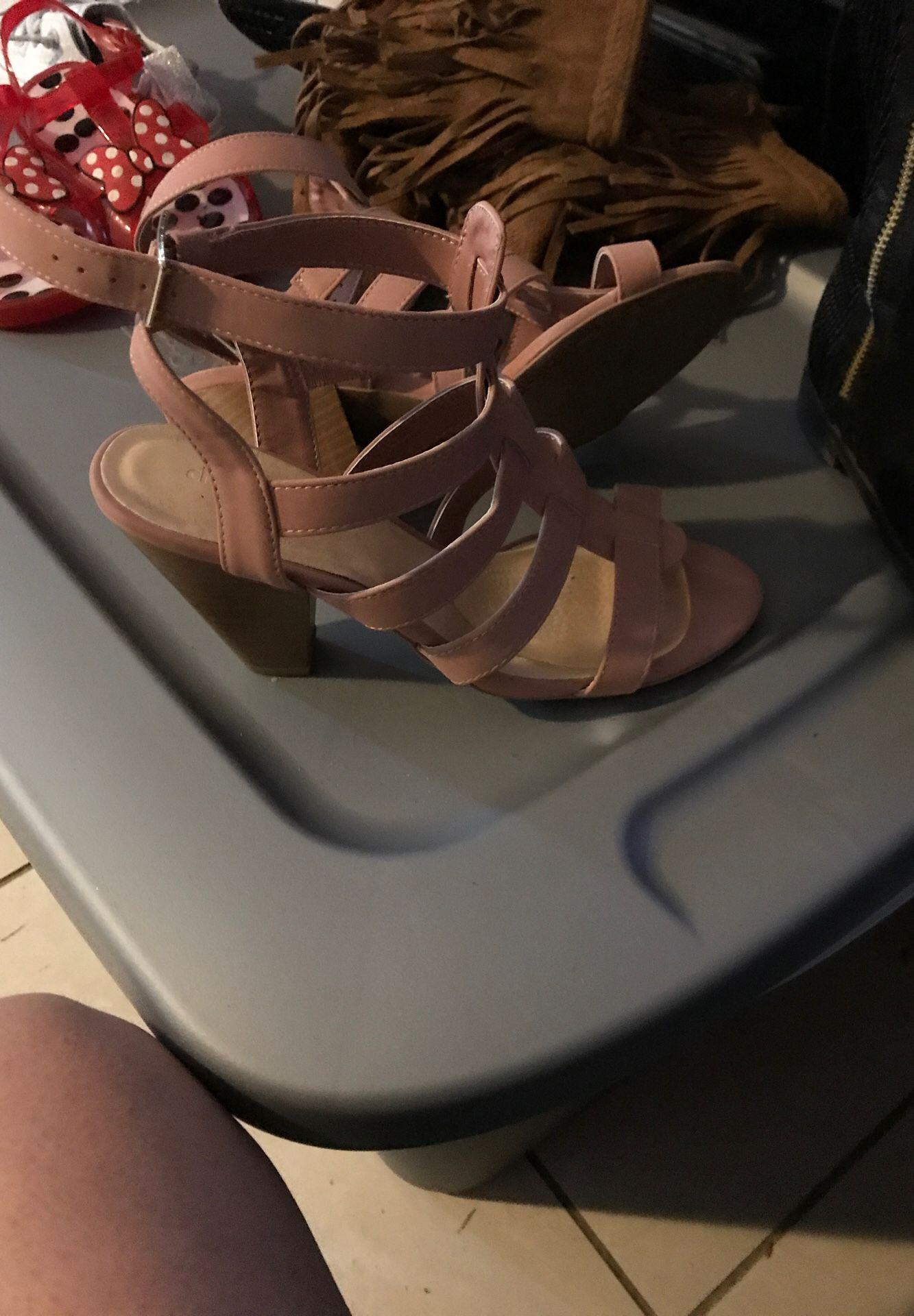 Blush heels sz7