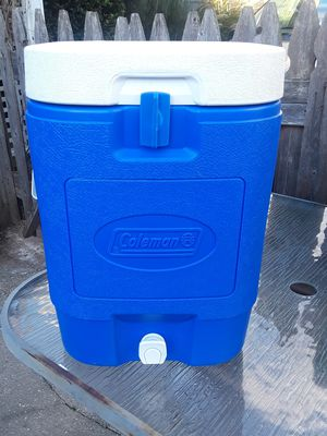 Coleman 5 Gallon Cooler for Sale in Queens, NY