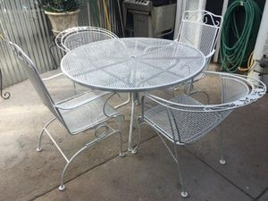 Photo Outdoor Wrought Iron Table & 2 Iron Gliding Chairs/ 2 Round Iron Chairs [Read Description]