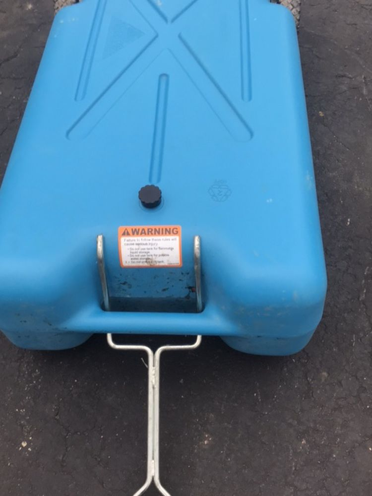 Photo Portable Black Gray Water Tank