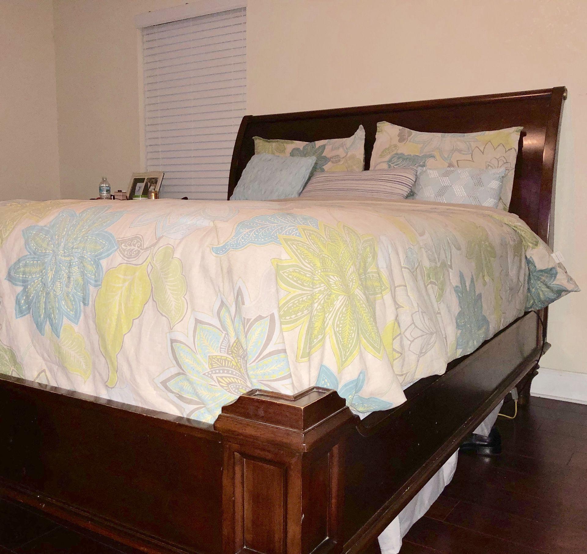Martha Stewart Bernhardt Penobscot Sleigh Bed Queen For Sale In West Palm Beach Fl Offerup