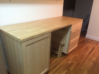 Kitchen cabinet and table Thumbnail