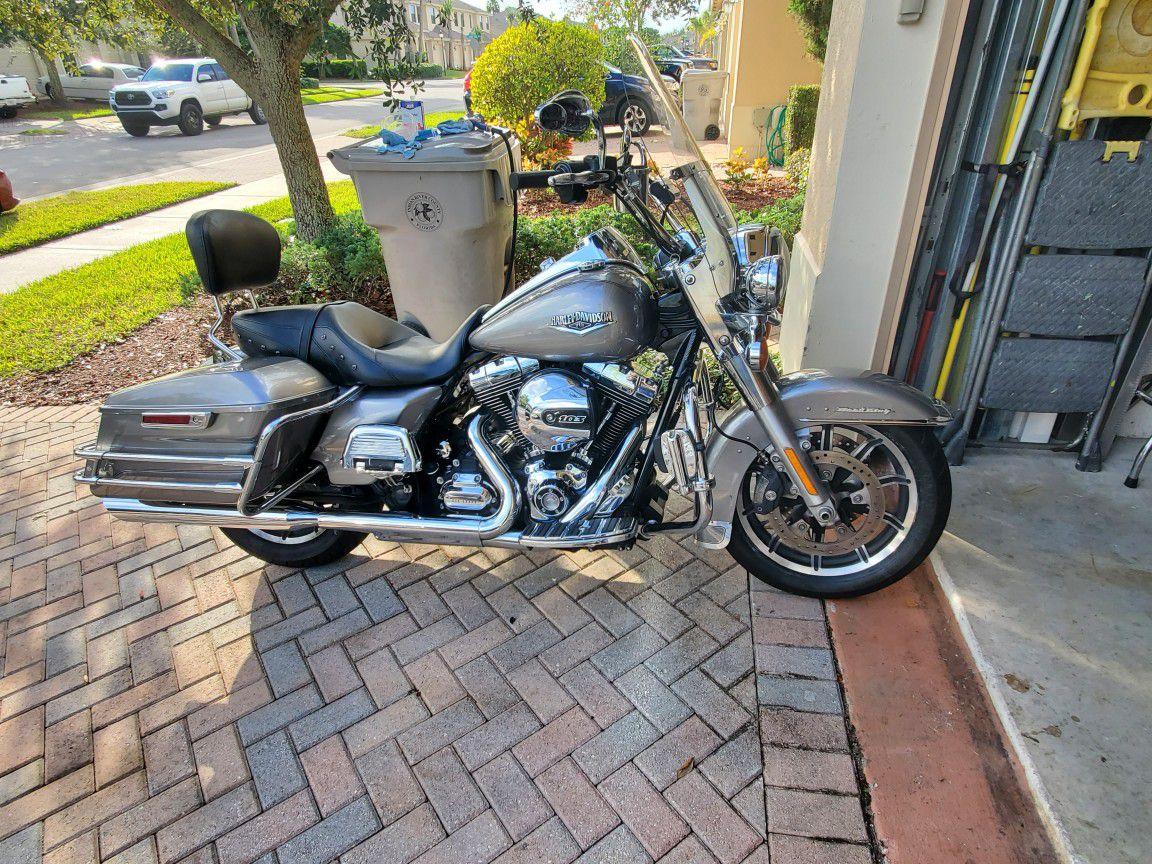 Photo 2016 Harley Davidson Road king