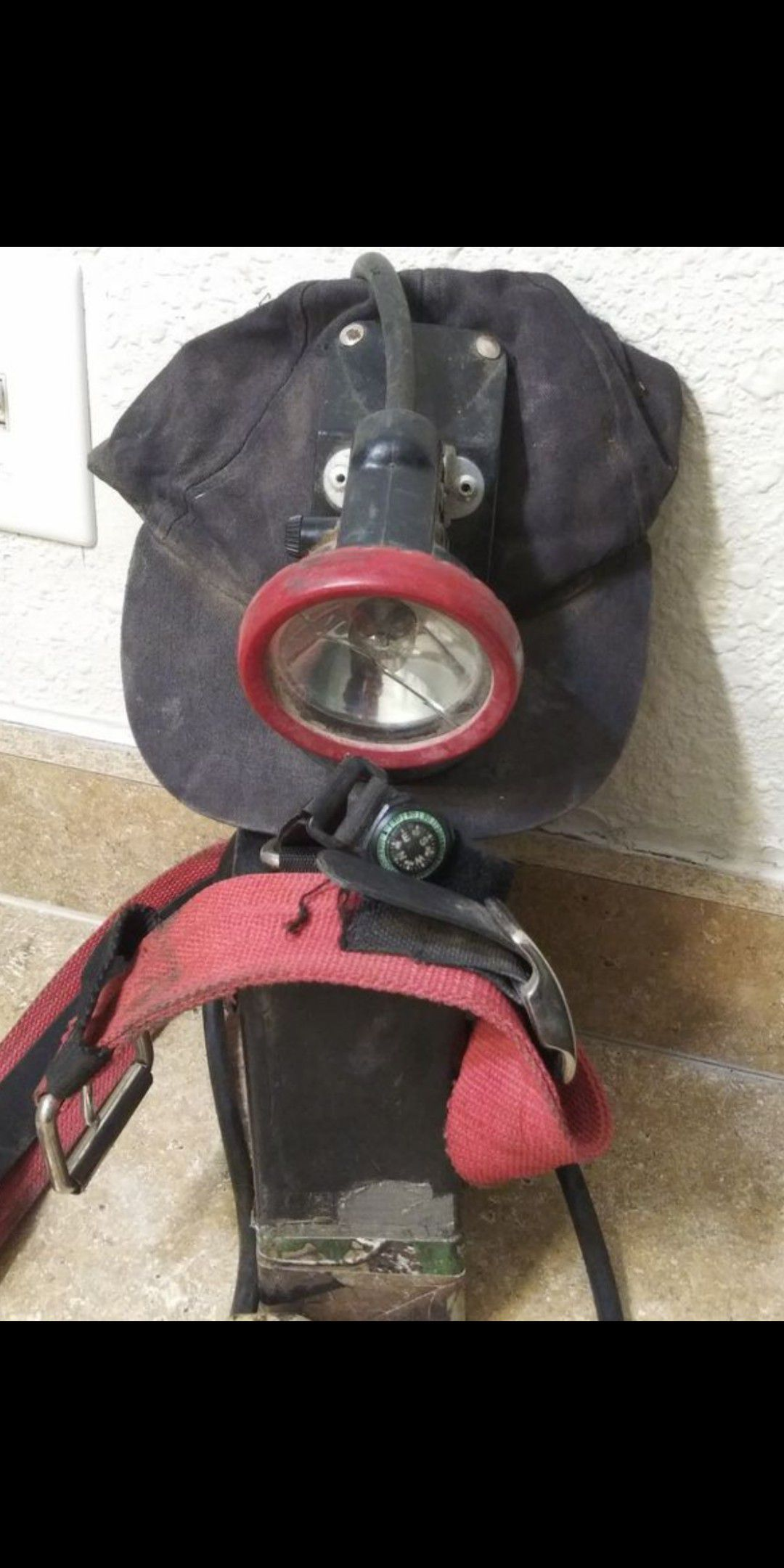 (VINTAGE) 1940's Coal Miner's (LAMP HAT) with battery pack