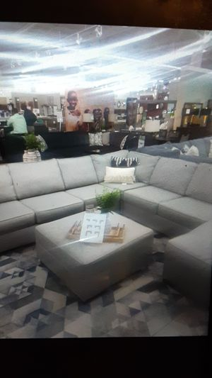 Photo Ashley furniture sectional brand new
