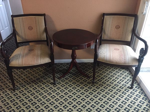 Two Accent Chairs With Table For In Bwood Ca Offerup