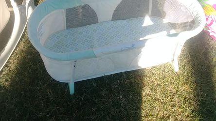 Baby small bassinet Thumbnail
