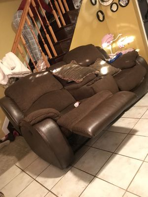 2 Sofa reclinable for Sale in Linthicum Heights, MD