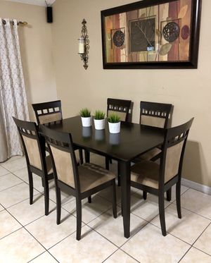 Beautiful American Signature 7 pc dining set for Sale in Clermont, FL