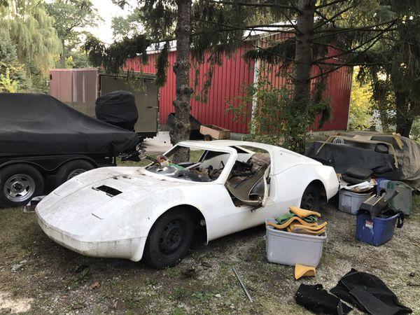 Bradley Gt  Kit Car With Gull Wing Doors
