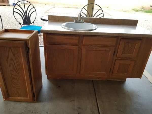 Bathroom sink and cabinets for Sale in Phoenix, AZ - OfferUp