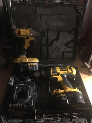 18 volt dewalt drill & impact set with 2 batteries and case for Sale in Mount Plymouth, FL