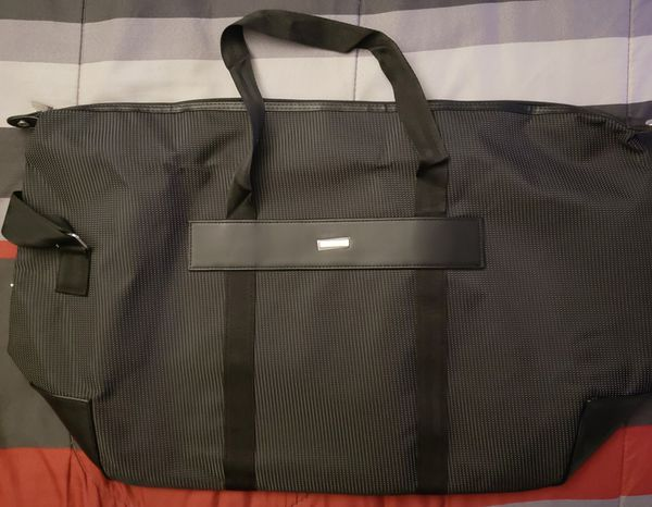 601e9beb8c8a Giorgio Armani Fragrance Duffel Bag for Sale in Sacramento