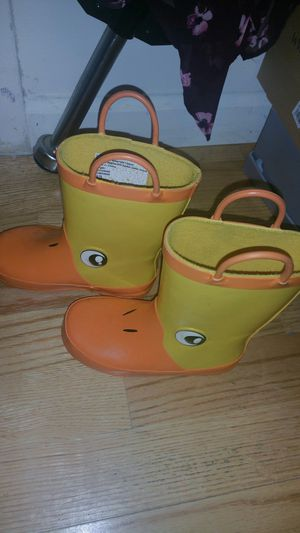 Kids rain boots size 9/10 for Sale in Edison, NJ