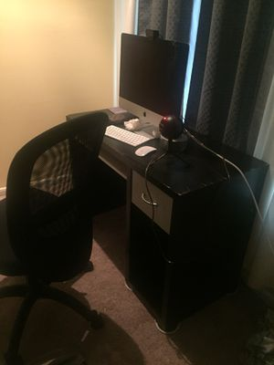 computer desk for Sale in Alexandria, VA