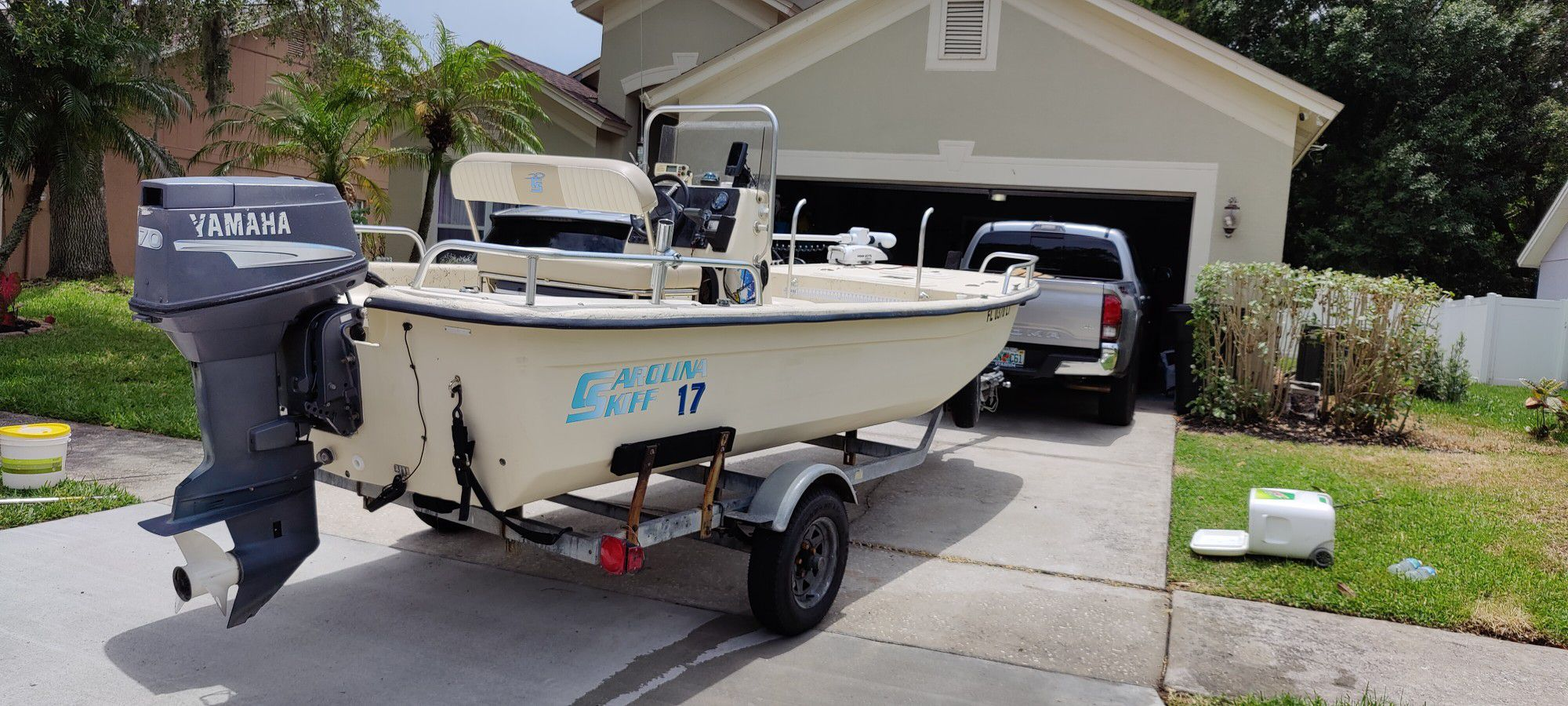 Photo Turn key Solid boat for sale, 17ft Carolina Skiff center console, no soft spots. Garmin GPS fish finder. Two brand new batteries, new steering cable a