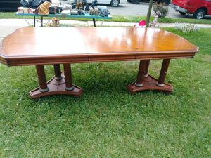Very Nice Dining Room Table For Sale In Fort Wayne IN