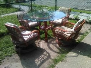 Custom made Rattan dining room table and chairs set for Sale in Washington, DC