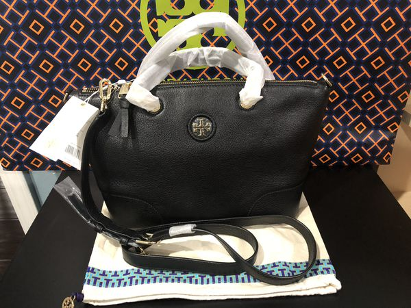 1fe008599d08 Nwt Tory Burch whipstitch logo small slouchy satchel with dust bag ...