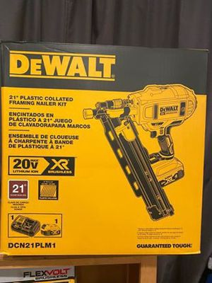 Photo Dewalt 21 Plastic Collated Framing Nailer Kit 🚨Includes Tool Bag, 4.0 battery and Fast charger