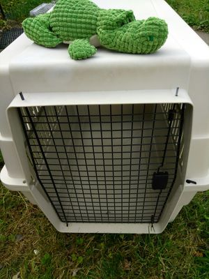 Dog Crate, Kennel , Dog Cage & stuffed animal for Sale in Perry Hall, MD