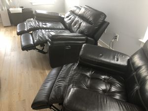 Dark brown leather electric reclining loveseat AND recliner for Sale in Washington, DC