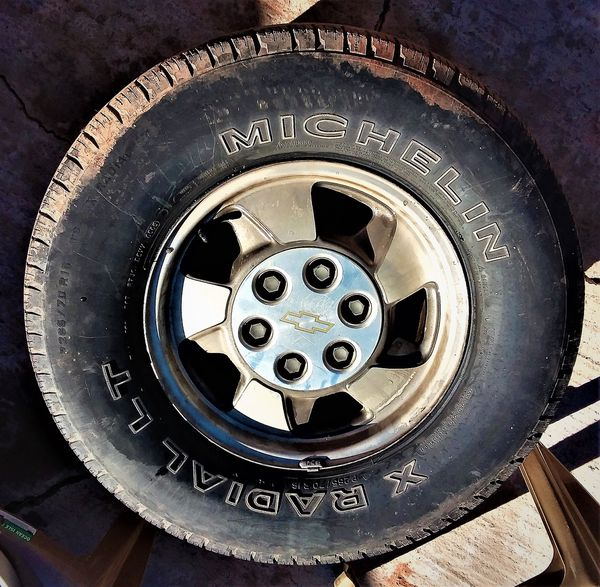 6-Lug CHEVY Wheels And Tires ! For Sale In Wichita Falls
