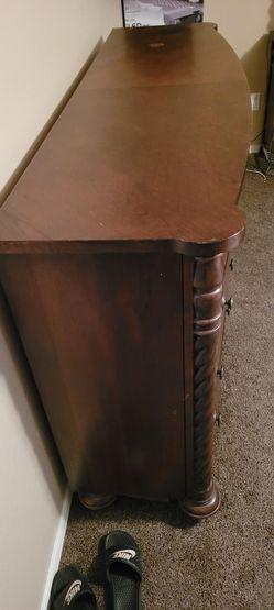 Dresser  Thumbnail