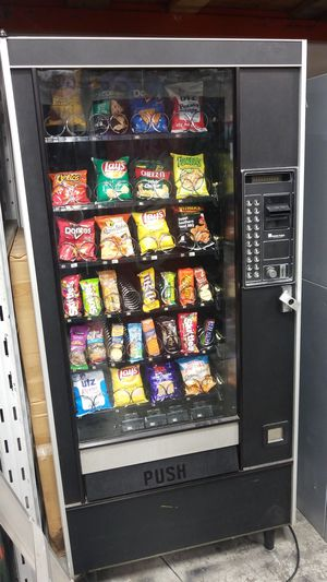 Fully refurbished snack vending machine for Sale in Montgomery Village, MD