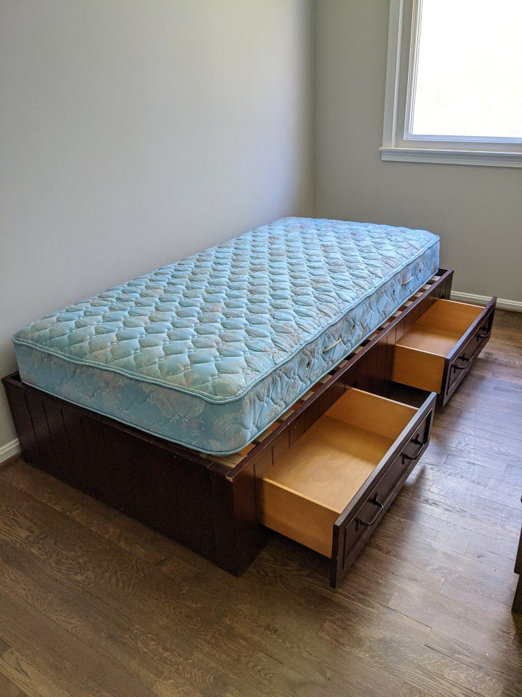 Twin Size Bed With Storage