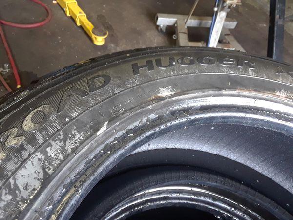 Used 20 Inch Road Hugger Tires Cars Trucks In Detroit Mi Offerup