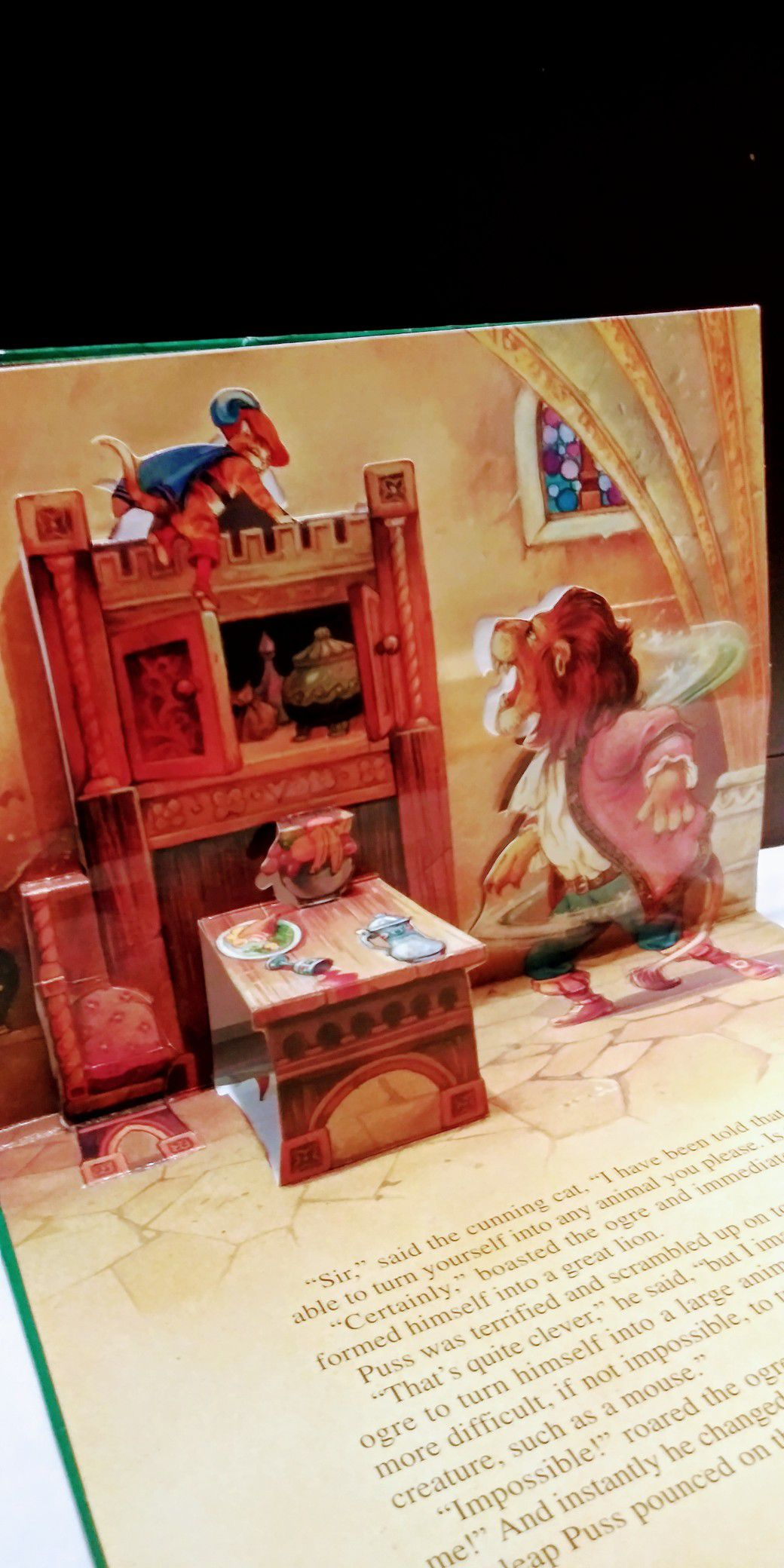 Puss in Boots- Fairy Tale Favorites, Pop-Up Book, Illustrated by John Patience