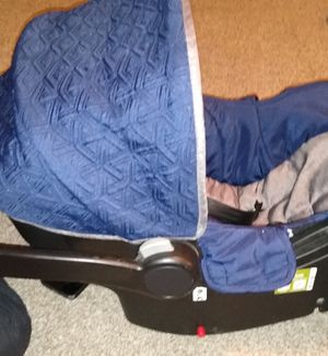 Photo BRAND NEW EDDIE BAUER'S CAR SEAT WITH BASE INCLUDED