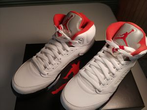 Photo (New) Jordan 5 Retro