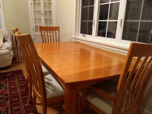 Dining set priced to move for Sale in Kensington, MD