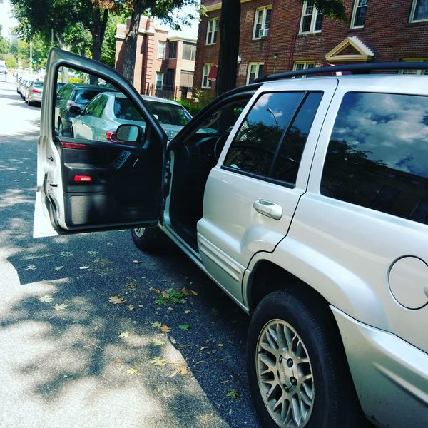 2002 Jeep Grand Cherokee Only 193k Miles Need 4 Bottles Oil And A Jump Start New Battery Soon For In Washington Dc Offerup
