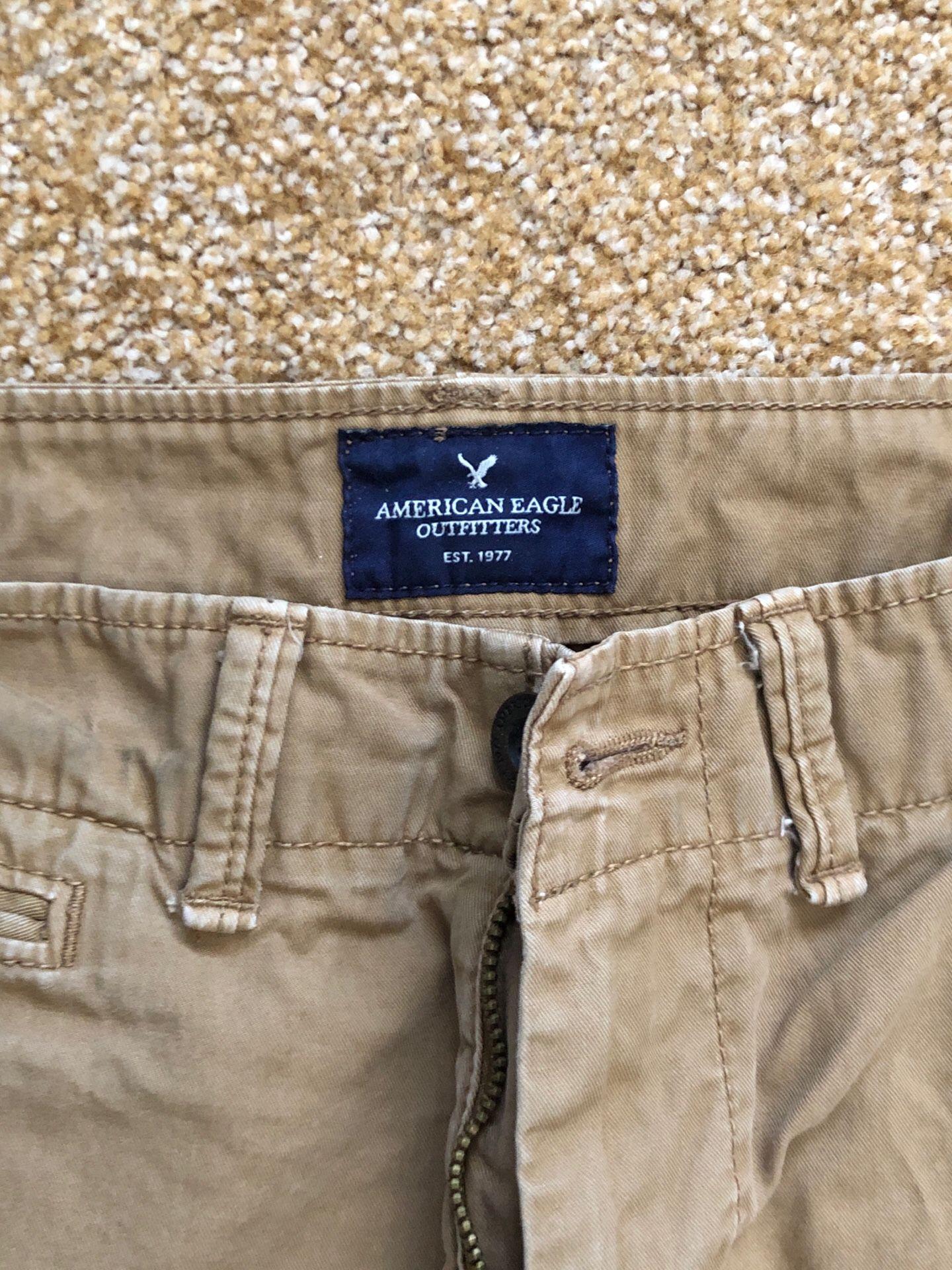 American Eagle Khaki Pants 32/32