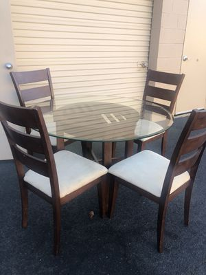 Wooded and glass Dinning table for Sale in Lorton, VA