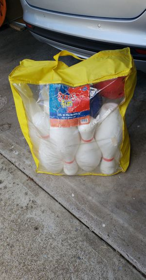 Bowling pin game for Sale in Painesville, OH