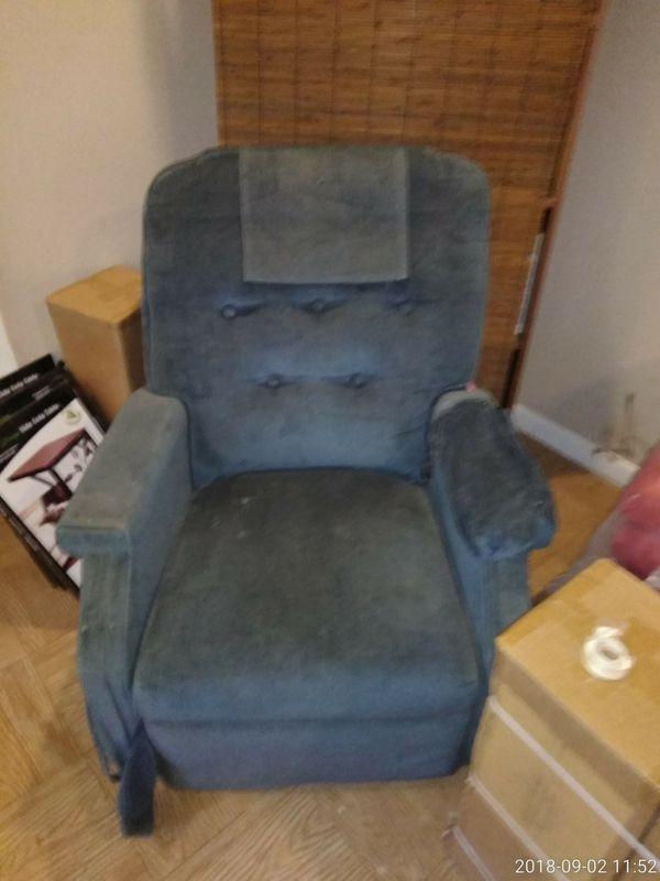 Handicapped chair for Sale in Marietta, GA - OfferUp