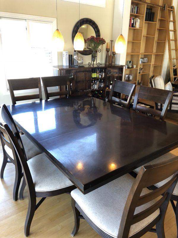 Lexington Dining Room Table