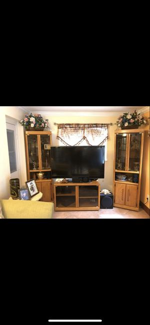 Entertainment center for Sale in West Palm Beach, FL