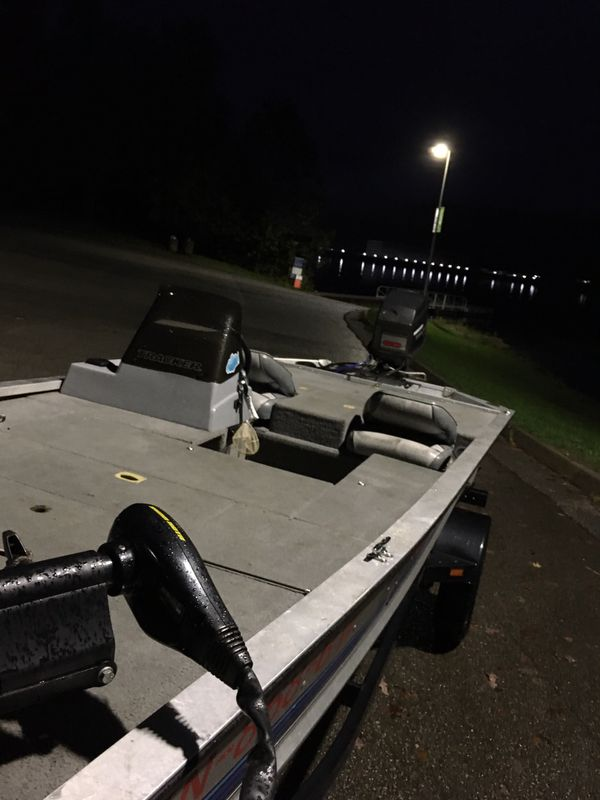 Bass tracker tournament tx 17 with 60 hp outboard and trailer