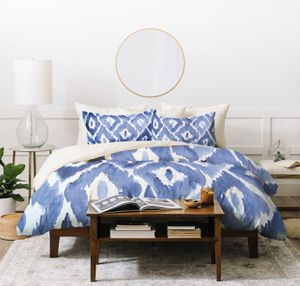 Photo FULL/QUEEN 3-pc duvet set in indigo (NO filler included). Zipper enclosure. Machine washable. East Urban Home. Microfiber. Retails close to $200 new.
