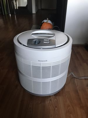Honeywell 50250-S 99.97% Pure HEPA Round Air Purifier for Sale in Los Angeles, CA