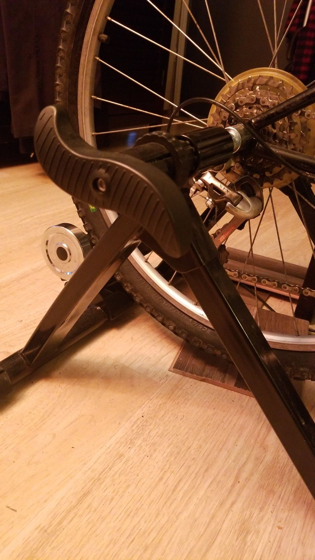 Sunlite Bicycle Resistance Trainer