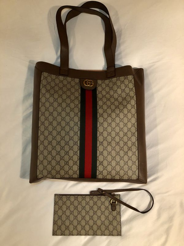 2418c452823 Gucci Ophidia GG Tote Bag for Sale in Queens