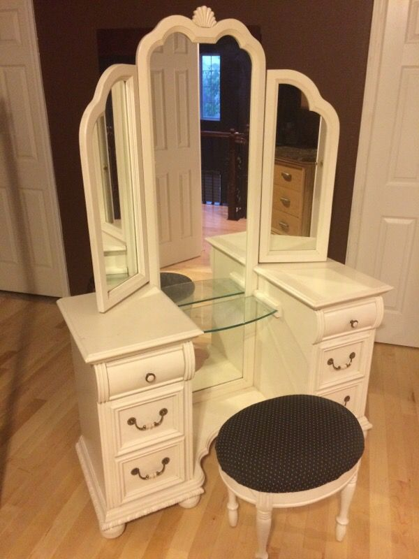 Lexington Trifold Vanity For Sale In Elgin Il Offerup