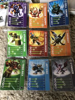 Skylander Wii games and 16 characters with carrying case Thumbnail