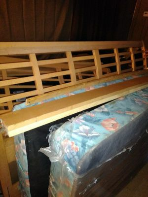 King size sleigh bed for Sale in Creedmoor, NC